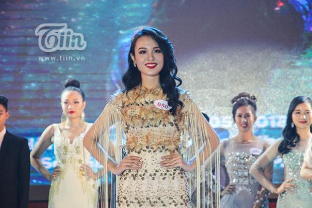 Huỳnh Phạm Thủy Tiên - Hoa khôi Duyên dáng Ngoại thương 2018.