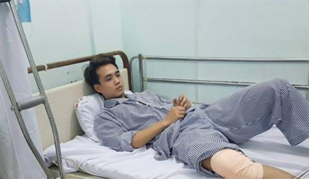 Nam sinh Minh thời điểm đang điều trị tại bệnh viện. Ảnh Vietnamnet.