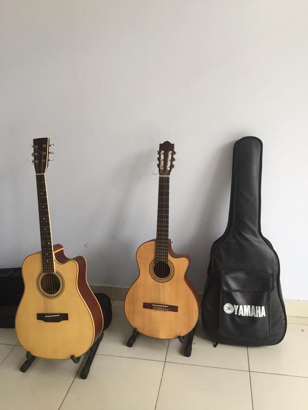 Những cây đàn guitar gắn liền với thời sinh viên.
