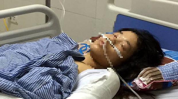 Chị D. nằm điều trị tại bệnh viện. Ảnh: báo Gia đình.
