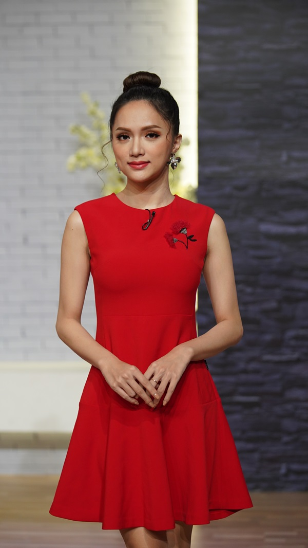 Hoa hậu Hương Giang trốn không gặp bố nhiều tháng liền sau chuyển giới