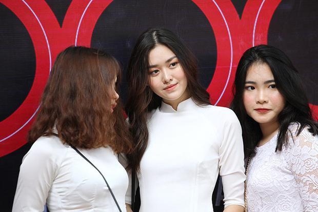Tường San (thường gọi là San Nguyễn) là 1 hot girl nổi tiếng của trường Phan Đình Phùng. Ảnh: Dân Trí.