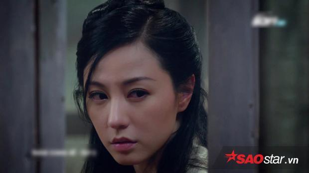 Nguyên Nguyệt bất ngờ phát hiện dấu tích của chị gái ngay trong lao ngục.