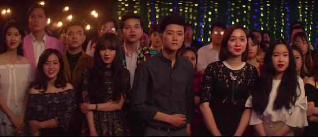 """Hạnh Đoan trong MV """"Mình cùng nhau đóng băng""""."""