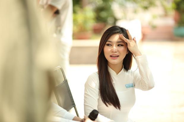 Hương Tràm  Cô gái dắt lối những câu chuyện thanh xuân quá ngọt của Vpop
