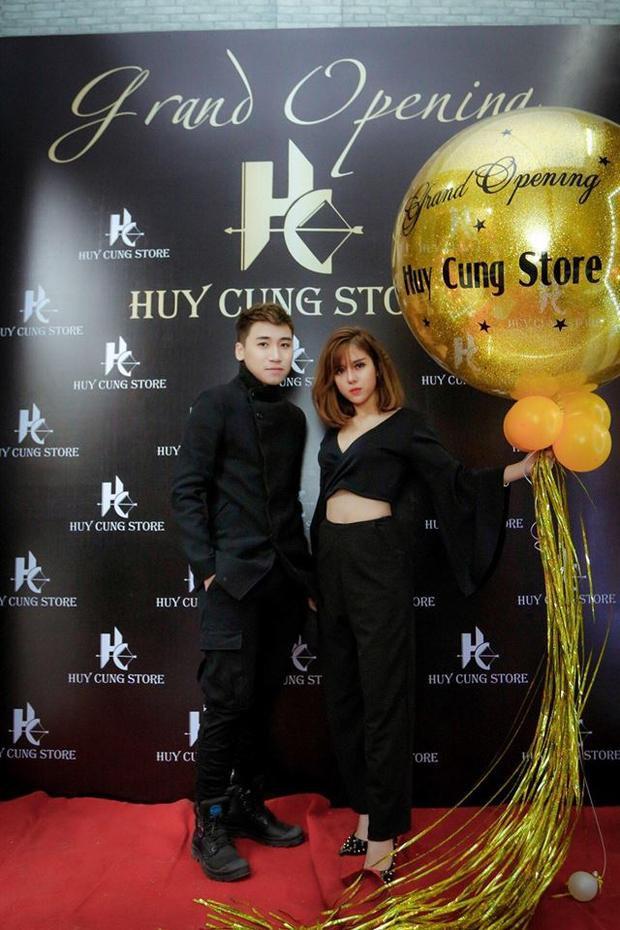 Là một nữ sinh năng động, mới đây Linh My đã cùng người bạn Huy Cung của mình khởi nghiệp về thời trang