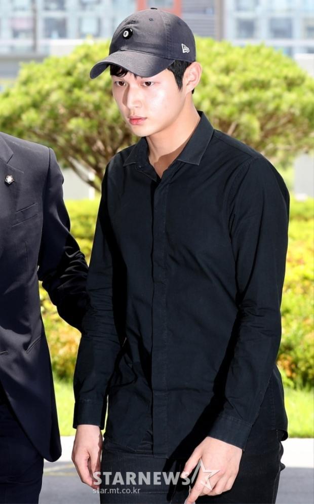 Báo chí truyền thông Hàn Quốc 'bủa vây' Lee Seo Won sau scandal đe doạ quấy rối tình dục