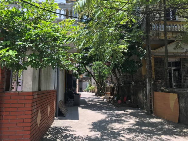 Lối vào nhà anh Hùng