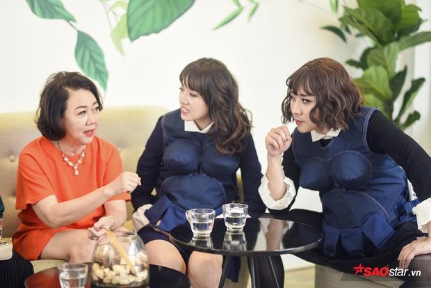 Cả 3 bà mẹ đều ngã ngữa khi nhìn thấy Trấn Thành  Hari Won mang bầu!
