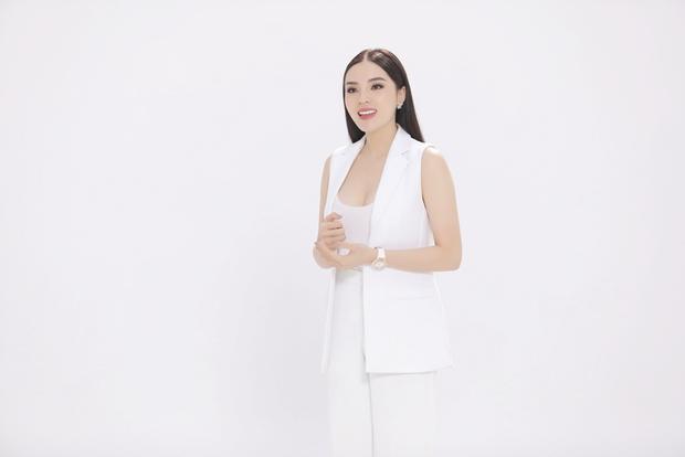 """Với gu ăn mặc tinh tế, khi tham gia chương trình này, Kỳ Duyên quyết định sẽ thể hiện hình ảnh """"bà bầu"""" sang chảnh, đẳng cấp."""