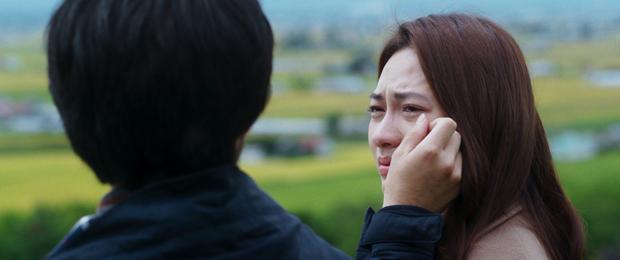 Nhắm mắt thấy mùa hè: Gam màu tươi mới của tình yêu tuổi trẻ trên đất Nhật Bản