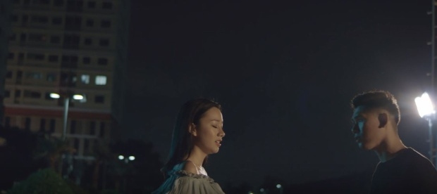 """Đặc biệt, """"người yêu tin đồn"""" lâu năm của Đại Nhân là cô nàng Băng Di cũng góp 1 vai cameo nhỏ trong MV."""