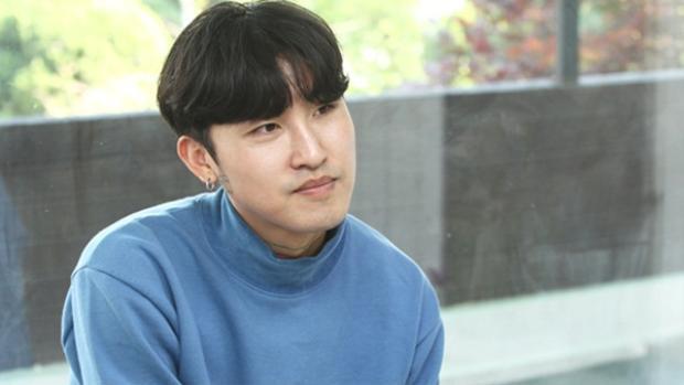 Fan Kpop phẫn nộ khi phát hiện tội phạm biến thái vô tư debut làm ca sĩ, có cả hit đình đám