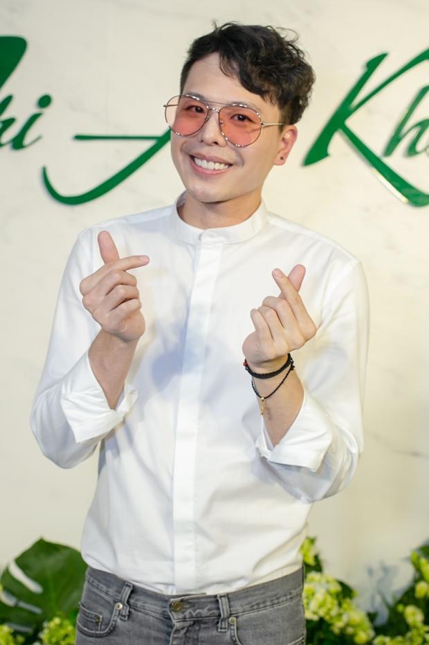Trịnh Thăng Bình giản dị với nụ cười luôn nở trên môi.