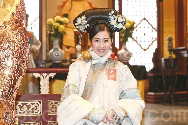 Trần Tự Dao thủ vai 1 phi tần của Gia Khánh (Đàm Tuấn Ngạn)