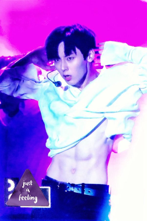 Nhảy sung, mỹ nam đẹp như tạc tượng của Wanna One lộ cơ bụng khiến fan phát cuồng