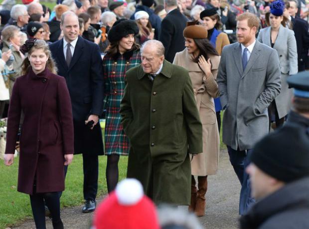Kate, Meghan và các thành viên Hoàng gia tham dự lễ Giáng sinh tại nhà thờ St Mary Magdalene ở Norfolk vào tháng 12/2017.