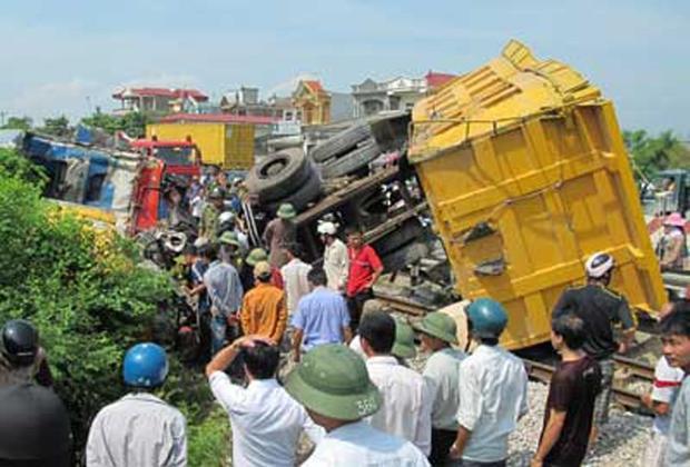 Hiện trường vụ tai nạn ngày 6/8/2010. Ảnh: Công an nhân dân
