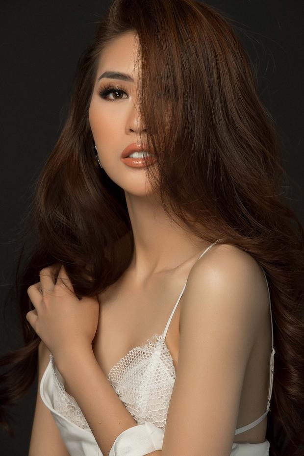 Cùng với việc tung ra bộ ảnh mới, Tường Linh chia sẻ nhiều dự định trong thời gian tới. Theo đó, cô đang có kế hoạch lấn sân sang lĩnh vực điện ảnh và đang hào hứng với những lời mời tham gia các dự án phim Việt.