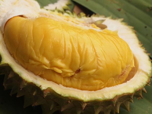 Có gì bên trong trái sầu riêng 1,7 triệu đồng siêu hot ở Việt Nam