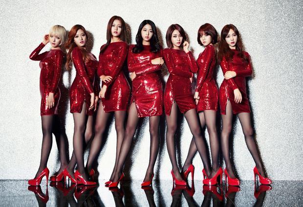 Thứ 2, AOA vốn nổi lên nhờ concept sexy, nóng bỏng nhưng qua một thời gian đủ dài, fan sẽ chạy theo những girlgroup mới trẻ trung, cuốn hút hơn. Đây chính là quy luật đào thải của Kpop.