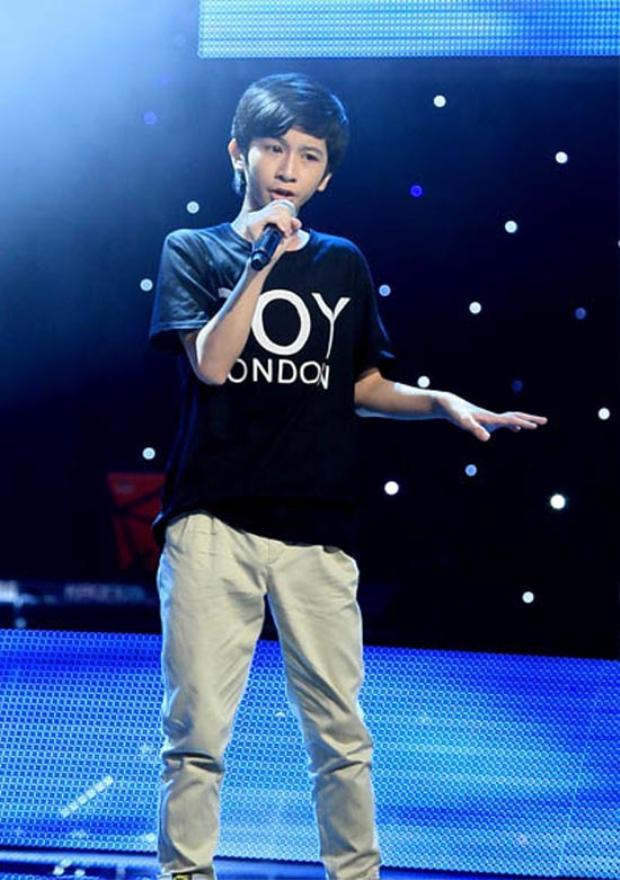 Đỗ Hoàng Dương 5 năm trước tại Vòng Giấu Mặt - The Voice Kids 2013.