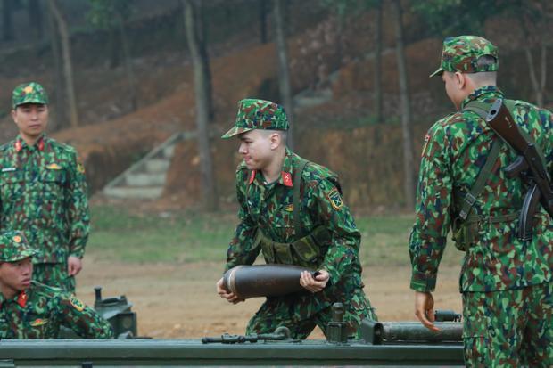 Gin Tuấn Kiệt ngơ ngác vẫn giành chiến thắng, Hoàng Tôn  Bảo Kun bị phạt sấp mặt