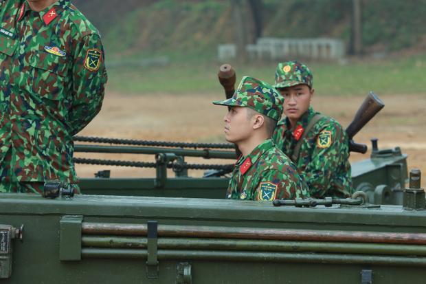 Dù luôn trong trạng thái lơ ngơ nhưng Gin Tuấn Kiệt vẫn là học sinh giỏi của lớp pháo binh.