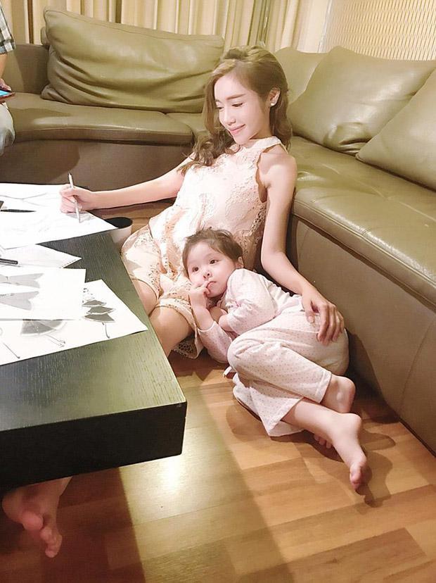 Elly Trần và những bức thư gửi ấu thơ của con gây xúc động