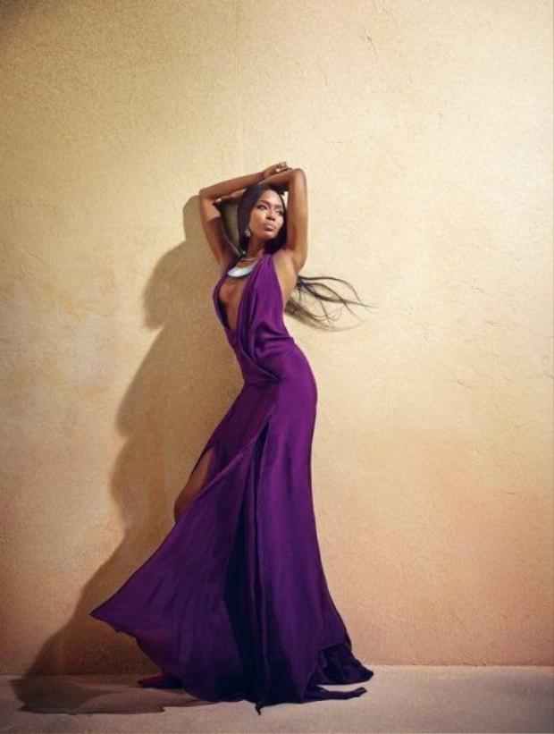 """Sự nỗ lực của Naomi được đền đáp xứng đáng khi giới thời trang luôn công nhận Naomi là một người mẫu tài năng. Nhà thiết kế lừng danh Roberto Cavalli từng chia sẻ: """"Nếu có giải Oscar cho người mẫu xuất sắc nhất thế giới, người đoạt giải chính là Naomi Campbell""""."""