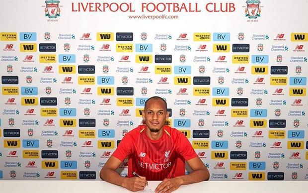 Fabinho gia nhập Liverpool với mức phí chuyển nhượng kỷ lục