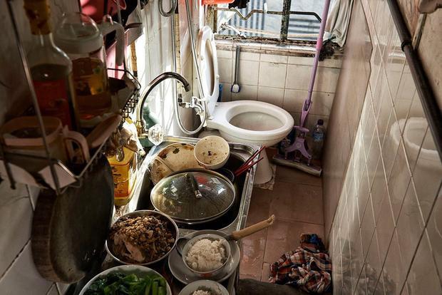 Hiện chính quyền Hong Kong đã thông báo kế hoạch xây dựng thêm nhiều nhà ở dành cho người có thu nhập thấp trong thập kỷ tới. Theo đó, tới năm 2027, đặc khu này sẽ có thêm 280.000 ngôi nhà xã hội và 180.000 nhà riêng.
