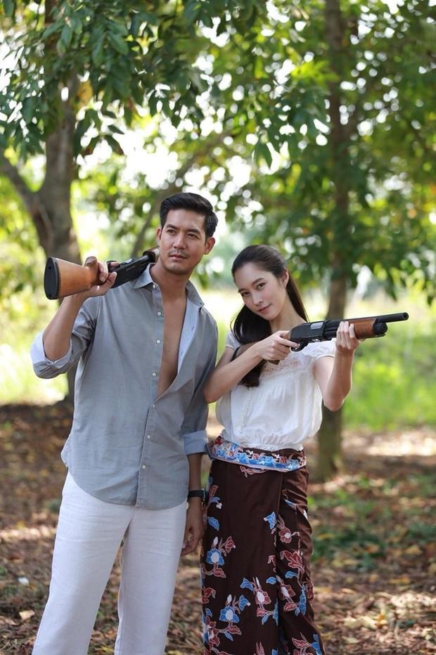 Không phải Bella Ranee hay Min Pechaya, đây mới là 'người tình' hoàn hảo nhất của Weir Sukollawat