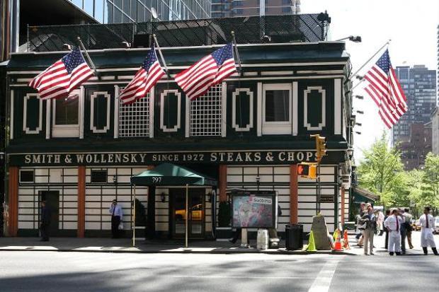 Nhà hàng Smith & Wollensky ở New York. Ảnh: Getty