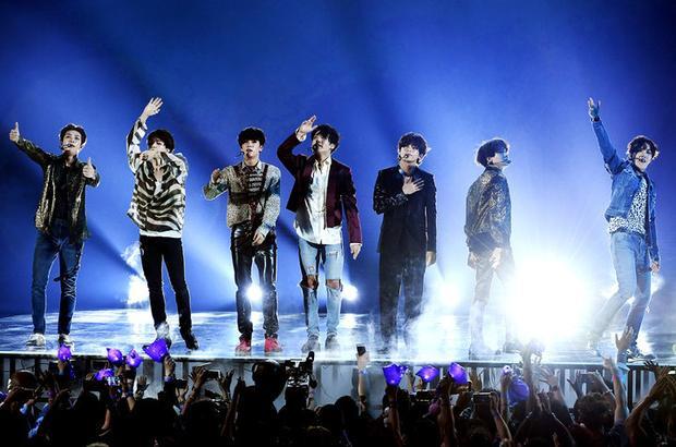 Lịch sử nối dài: BTS làm cú chốt trên BXH quan trọng còn lại của Billboard và debut hạng