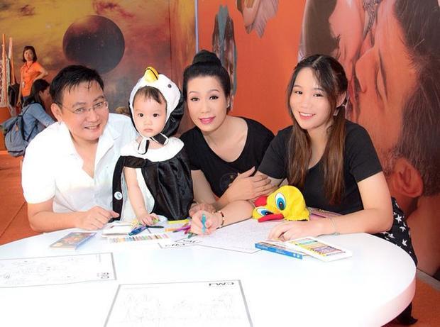 Gia đình hạnh phúc của Trịnh Kim Chi.