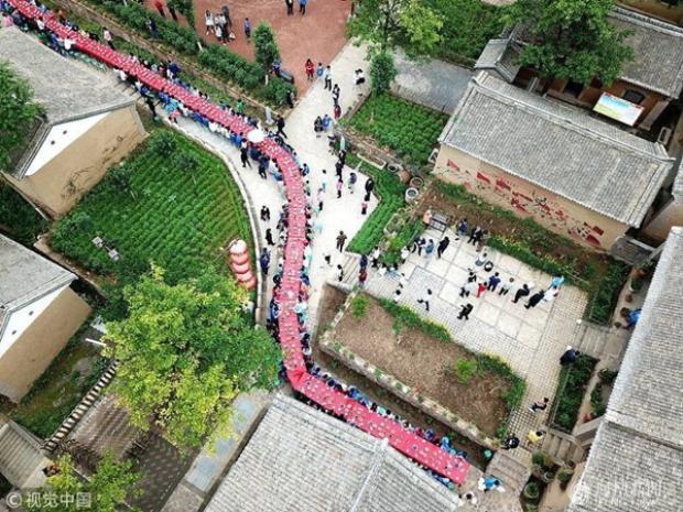 Được biết, đây là lần hiếm hoi bữa tiệc quy tụ được nhiều cặp sinh đôi đến vậy. Trước đó, lễ hội sinh đôi quốc tế thường năm cũng được Trung Quốc tổ chức với quy mô lớn, thu hút rất nhiều cặp sinh đôi đến từ nhiều nơi trên thế giới.