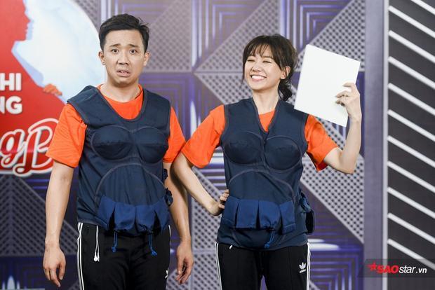Sai gần như toàn bộ vị trí, Trấn Thành hóm hỉnh đòi chia team với Hari Won.