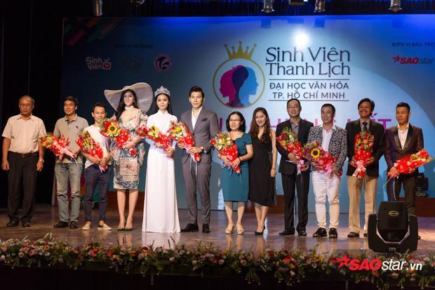 Dàn ban giám khảo tham gia chấm giải cho cuộc thi năm nay.