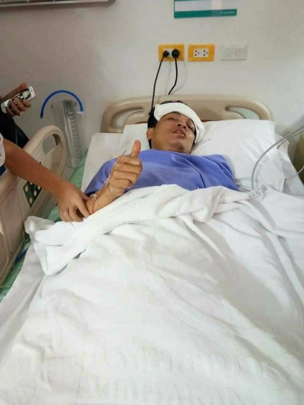 Anh Narong vẫn sống sót sau vụ tai nạn.