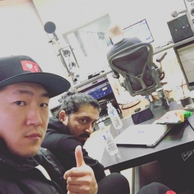 """Ryan Jhun được xem một trong những """"phù thủy"""" tài ba, đứng sau hàng loạt hit của gà nhà SM."""