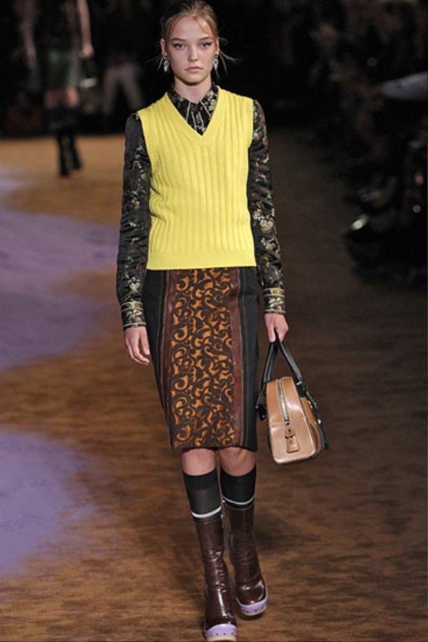 Sự xuất hiện của chân dài 14 tuổi, Roos Abels, trong show diễn Prada tại Tuần lễ thời trang New York gây ra cuộc tranh cãi về vấn đề bảo vệ quyền trẻ em trong làng mốt.