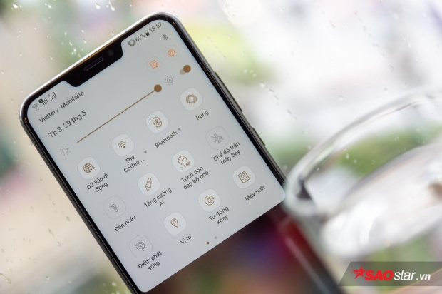 Màn trình diễn của AI trên ZenFone 5 khá mờ nhạt nhưng đích đến cuối cùng là trải nghiệm người dùng thì máy đang làm rất tốt.