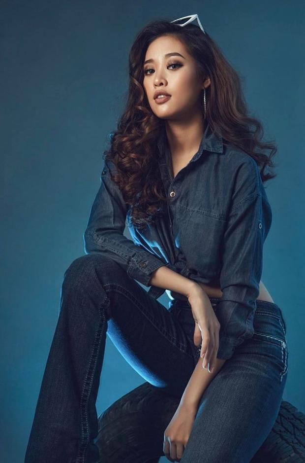 Quyết định tham gia cuộc thi Siêu mẫu Việt Nam năm nay cũng là cách Khánh Vận tạo nên hình ảnh mới mẻ trong mắt khán giả, xóa bỏ hình tượng đẹp tươi tắn nhưng một màu.