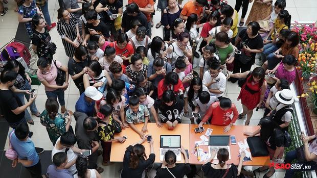Thí sinh The Voice Kids 2018 đổ bộ chật kín trung tâm thương mại ngày casting đầu tiên tại Hà Nội