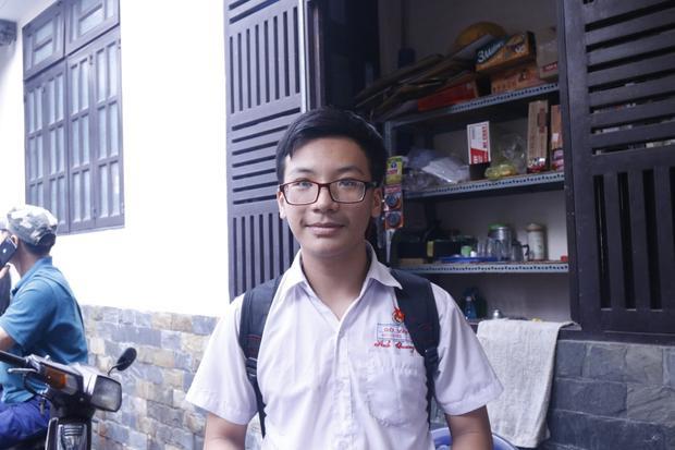 """""""Đề Tiếng Anh năm nay khá dễ và em làm bài rất tốt"""" - bạn Lư Nguyễn Anh Quang (trường Gò Vấp) chia sẻ"""
