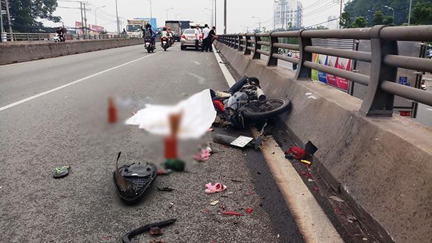 Hiện trường vụ tai nạn khiến bé gái 3 tuổi chết tử vong tại chỗ. Ảnh: Dân Việt.