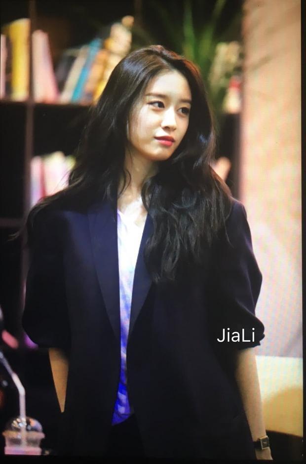 Qua những chia sẻ của cô nàng có thể thấy công ty mới đang dốc hết sức để đưa tên tuổi của Jiyeon lên một tầm cao mới.