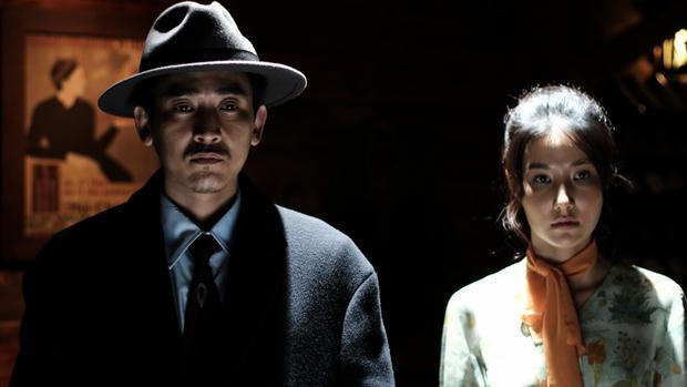 Ống kính sát nhân Phim Việt duy nhất có đấu được với Khủng long, Gia đình siêu nhân và Băng cướp quý cô?