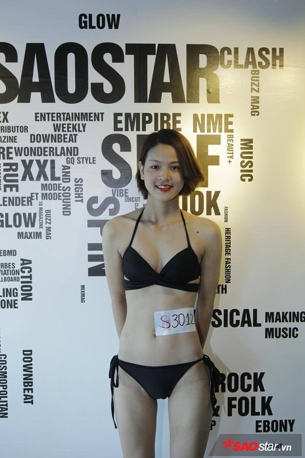 Thí sinh Đặng Thị Nhàn sinh năm 1998 chia sẻ với giám khảo đã từ bỏ ngành Y đang theo học để đến với chương trình với mong muốn theo đuổi người mẫu chuyên nghiệp.
